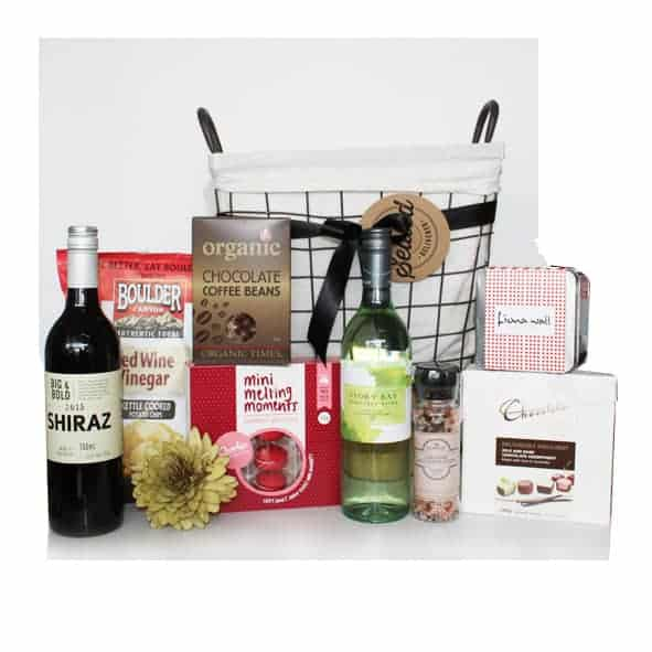 luxury gourmet food and drink hampers