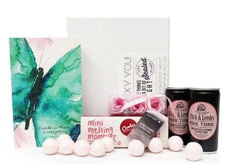 luxury gift hamper package for her